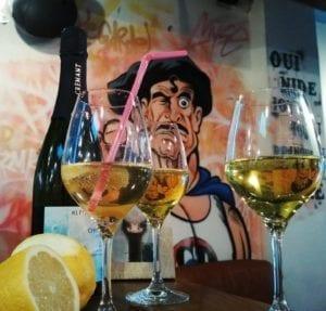 Salon des vins libres verres de blanc
